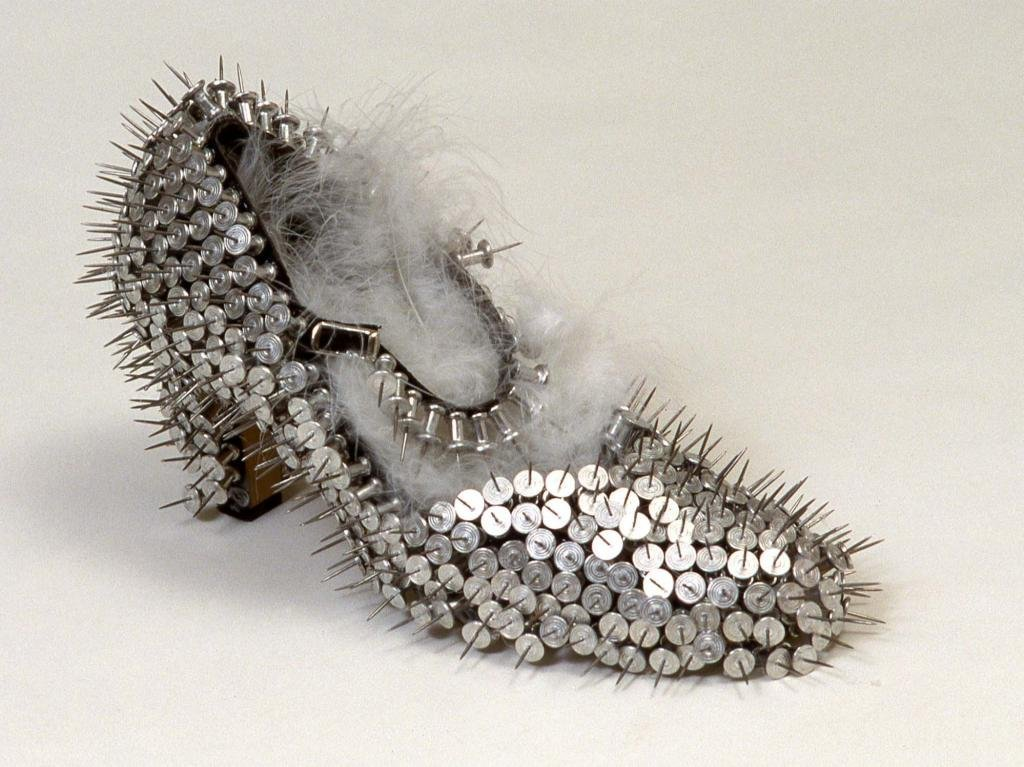 spiky-pushpin-shoe